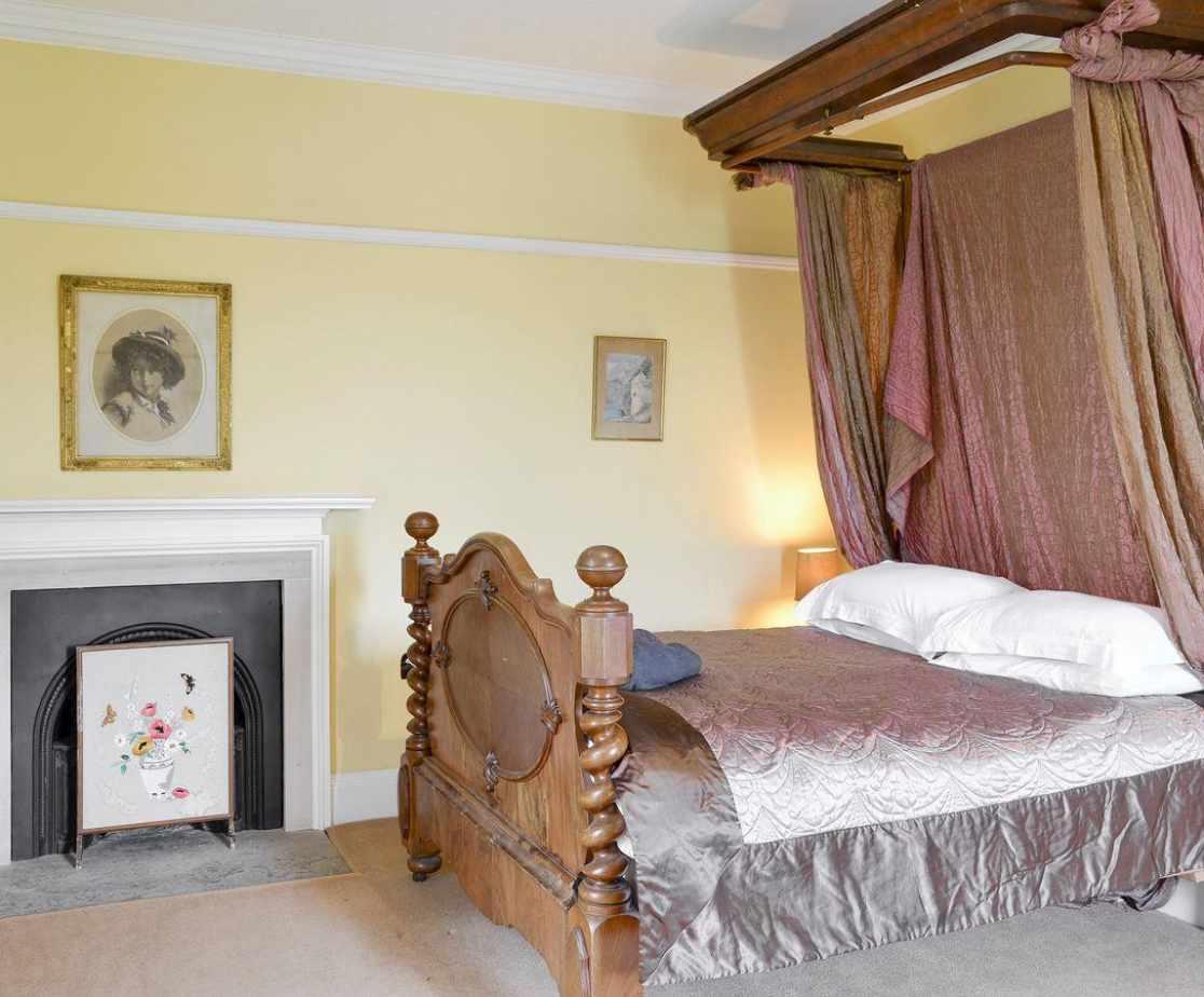 Sumptuous double bedroom