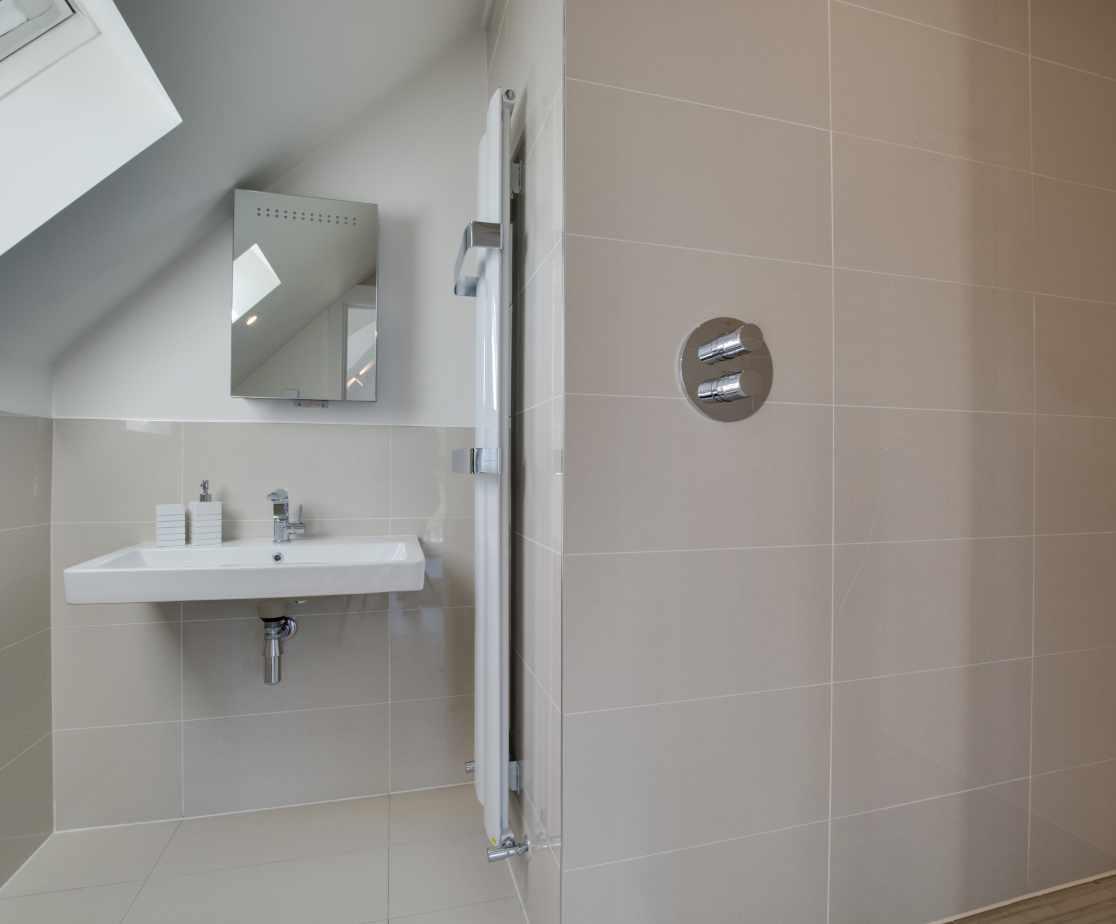 En suite Shower Room Bedroom 1
