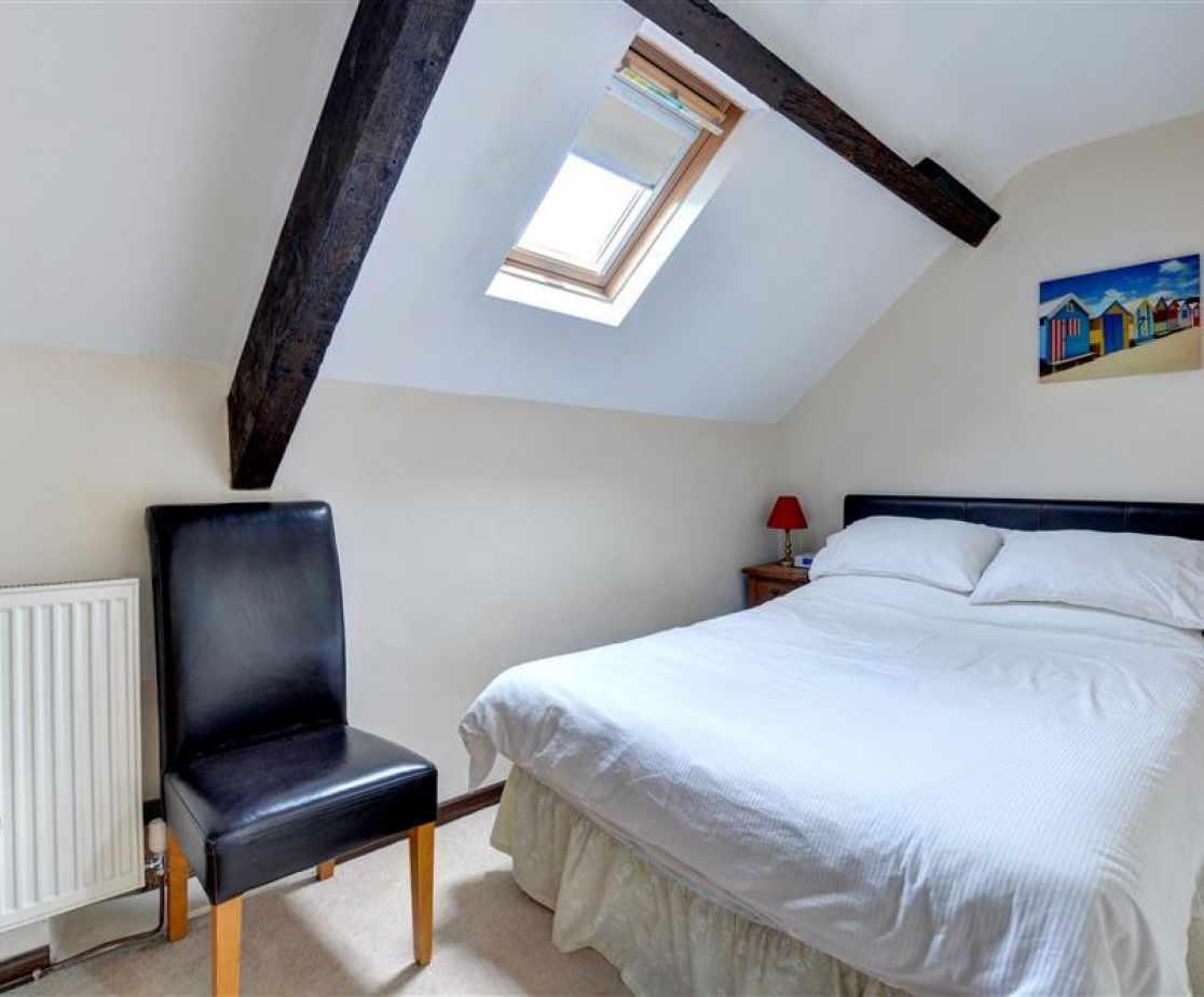 FL006 - Double Bedroom