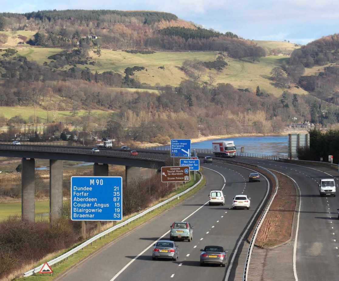 Explore the local area with the ease of the M90 Motorway.
