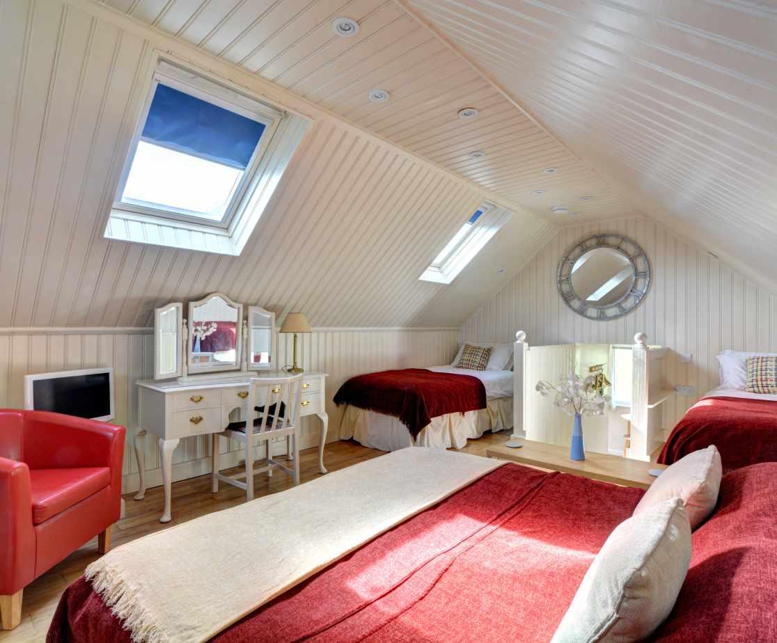 Garden Room - Bedroom/Living Area