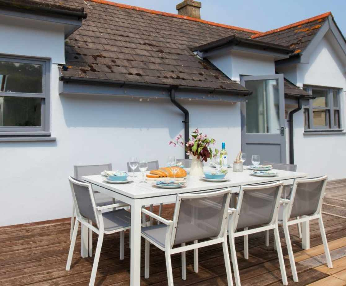 Dine in the Sun at Driftwood Cottage Shaldon