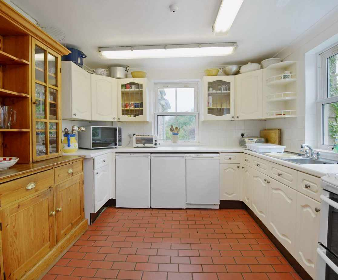 Well equipped kitchen with Aga