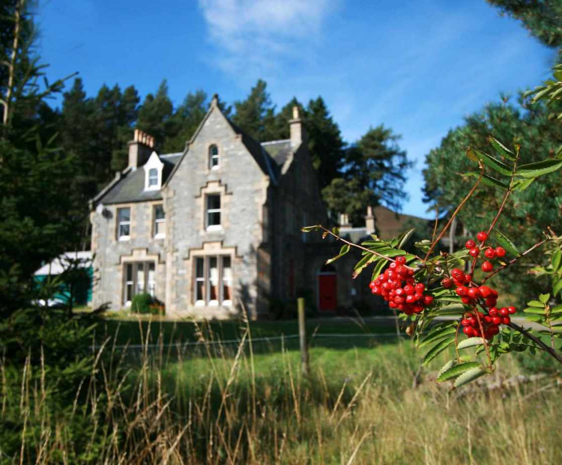 On offer is this delightful holiday house in the Highlands