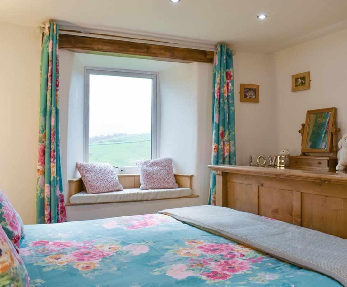 Good-sized double bedroom