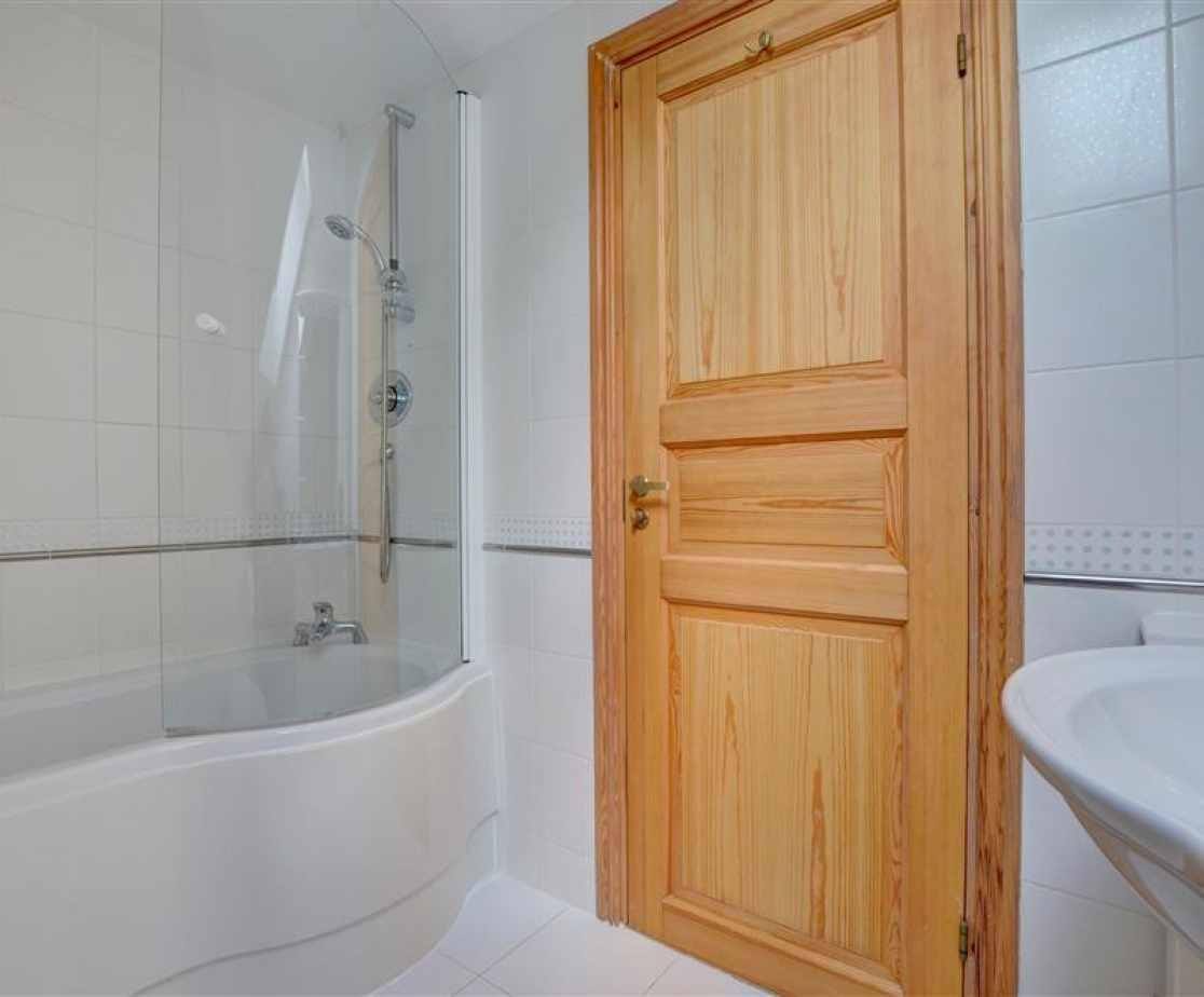 The pristine family bathroom