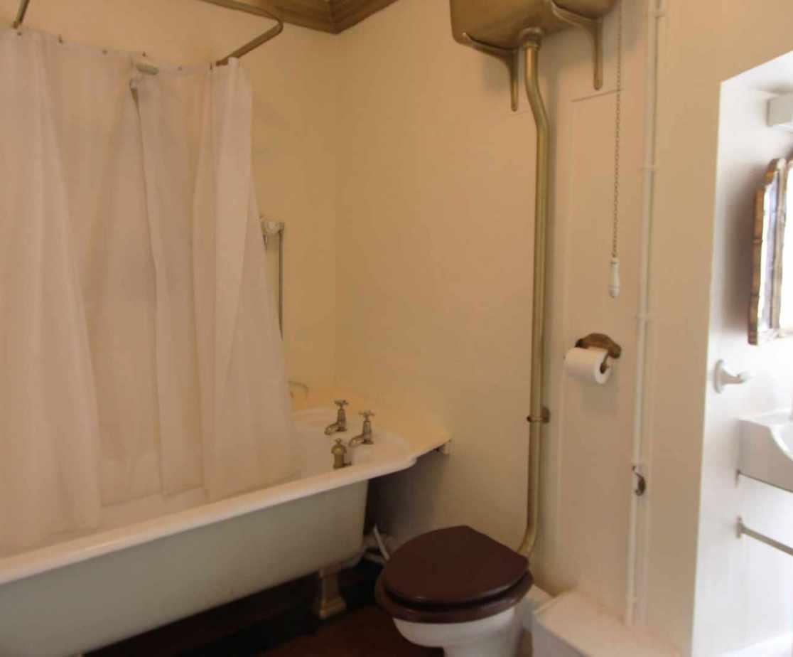 En-suite bathroom for Empress Eugenie bedroom