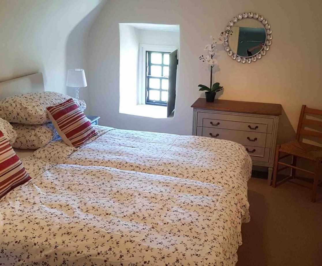 Twin bedroom on the third floor