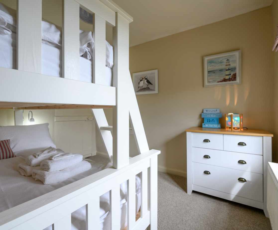Bedroom 4 with spacious bunk beds