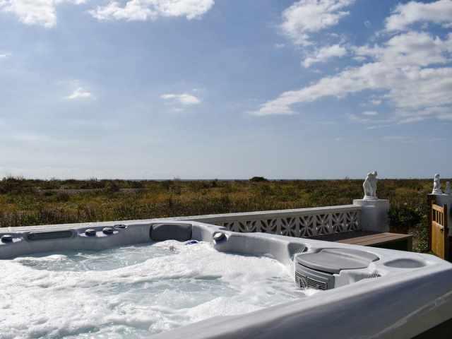 Hot tub with wonderful views