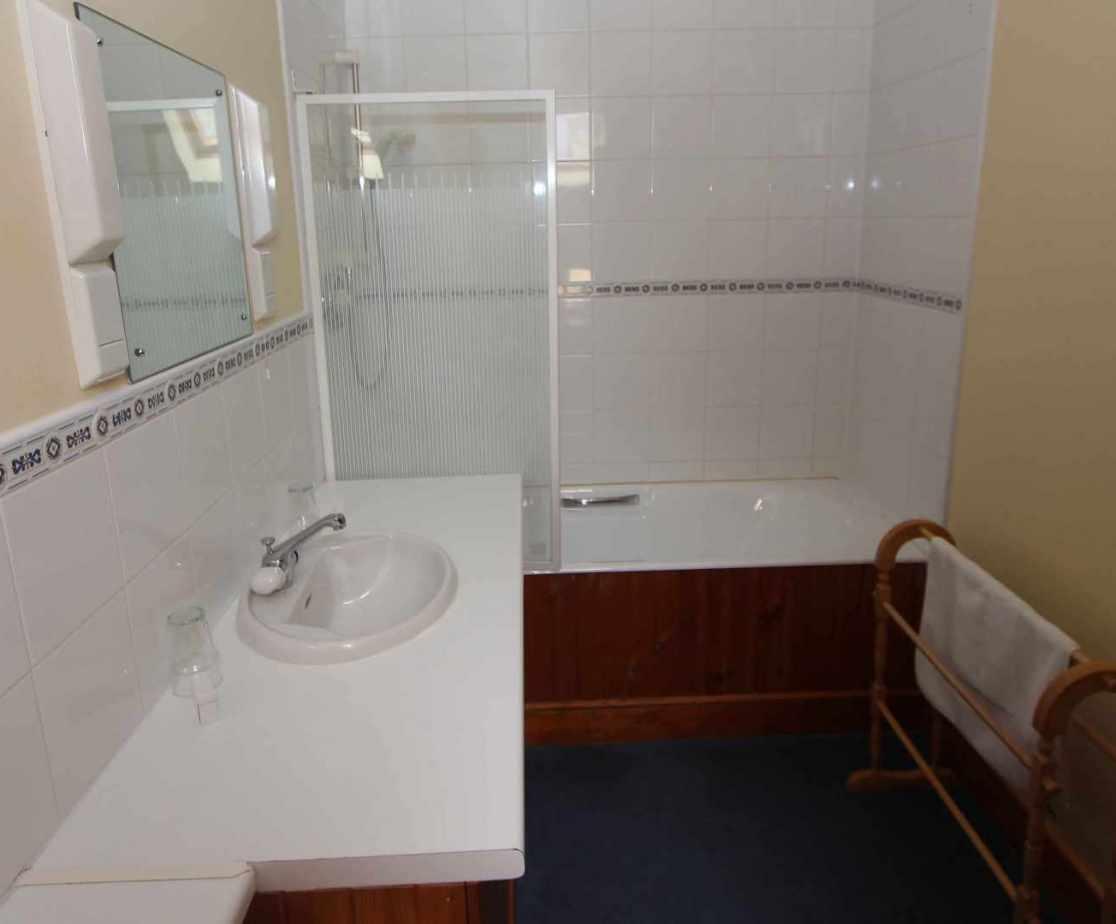 En-suite bathroom for bedroom no 3