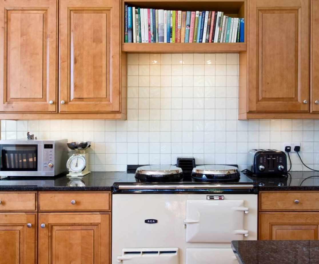 Castellated Luxury Mansion - kitchen with aga