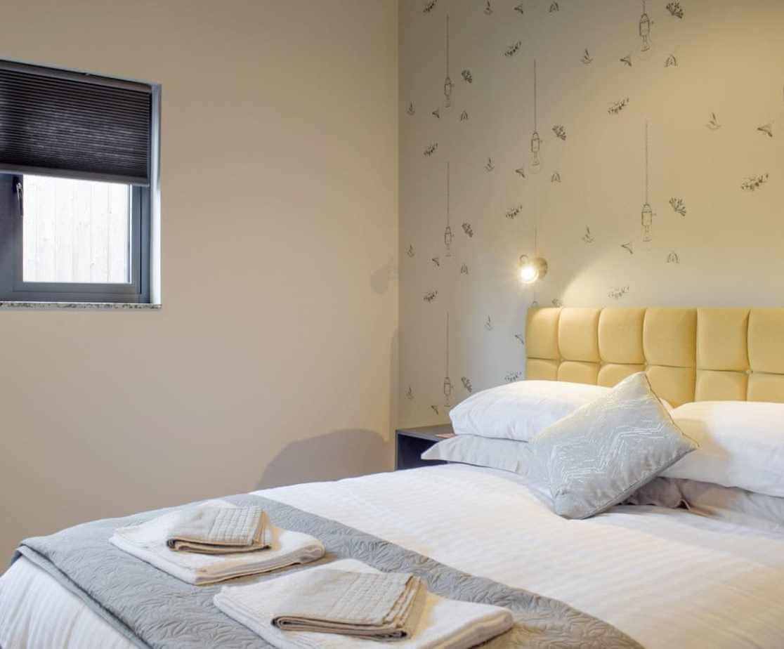 Peaceful en-suite double bedroom