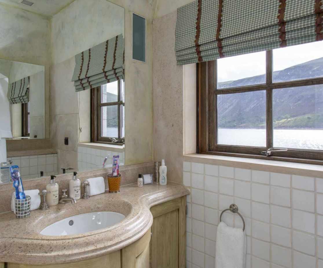 Luxury Lochside Retreat, Loch Ericht, Ben Alder Forest