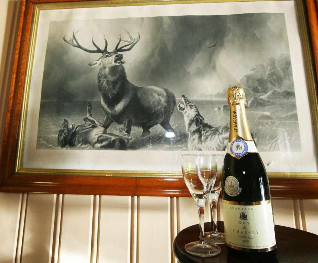 Traditional luxury Scottish Highland lodge