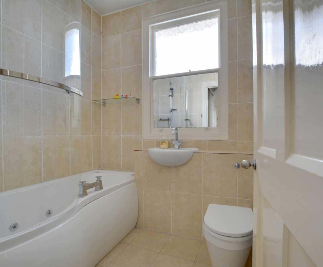CC0299 - Bathroom