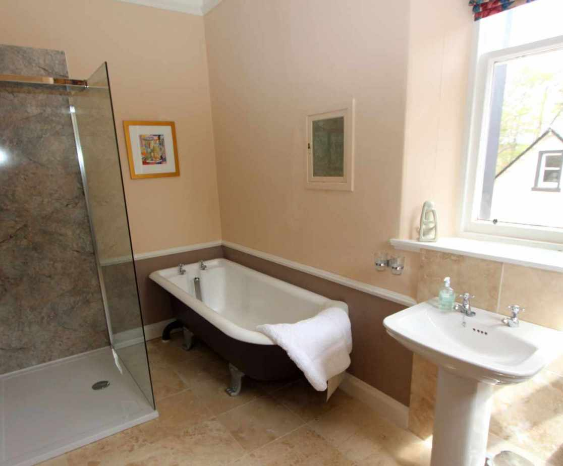 \'Ben Vorlich\' en suite bathroom