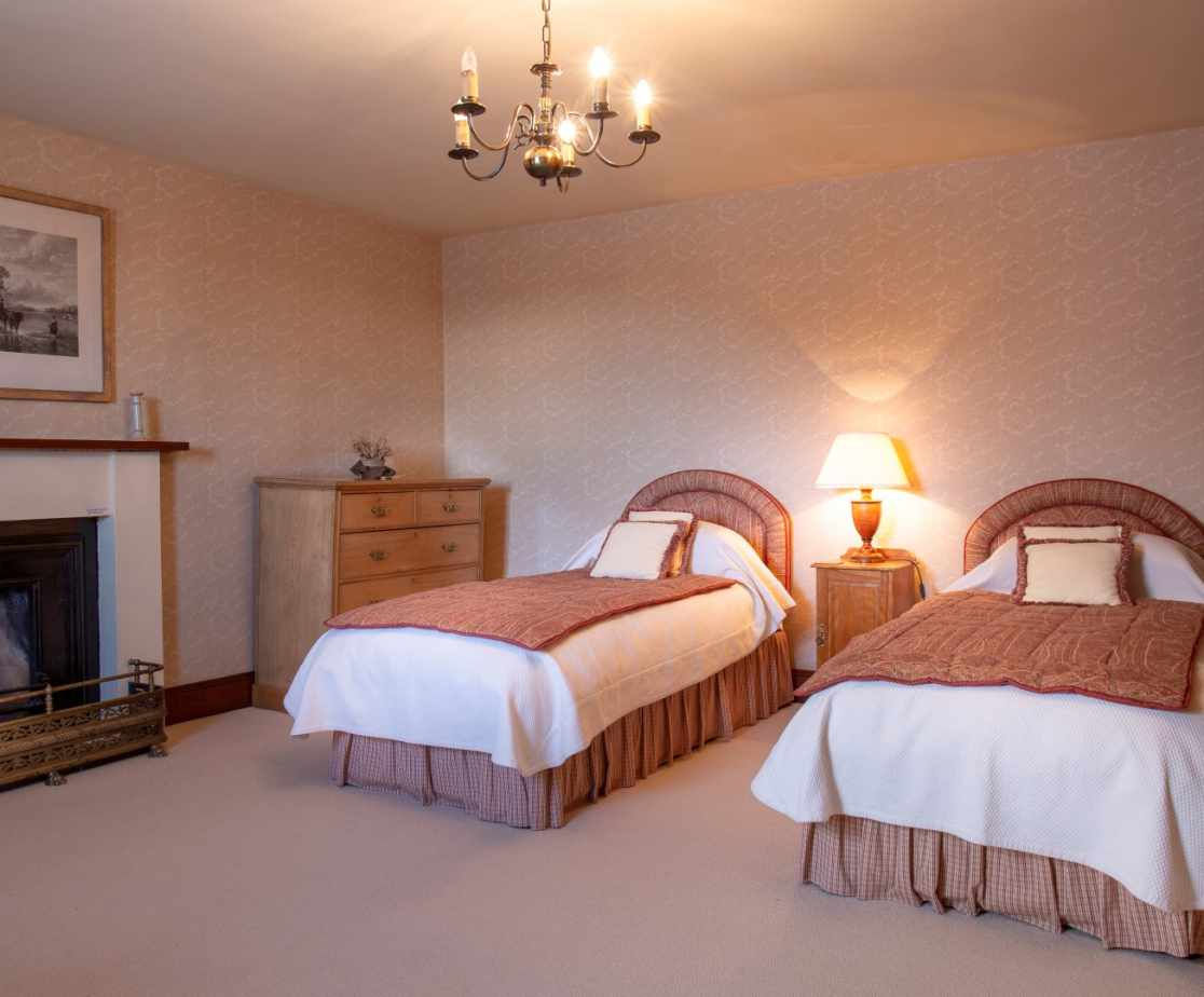 Twin Room | Remote Highland Lodge by Loch Ericht