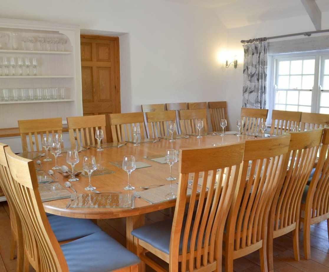 Wonderful accommodating dining area