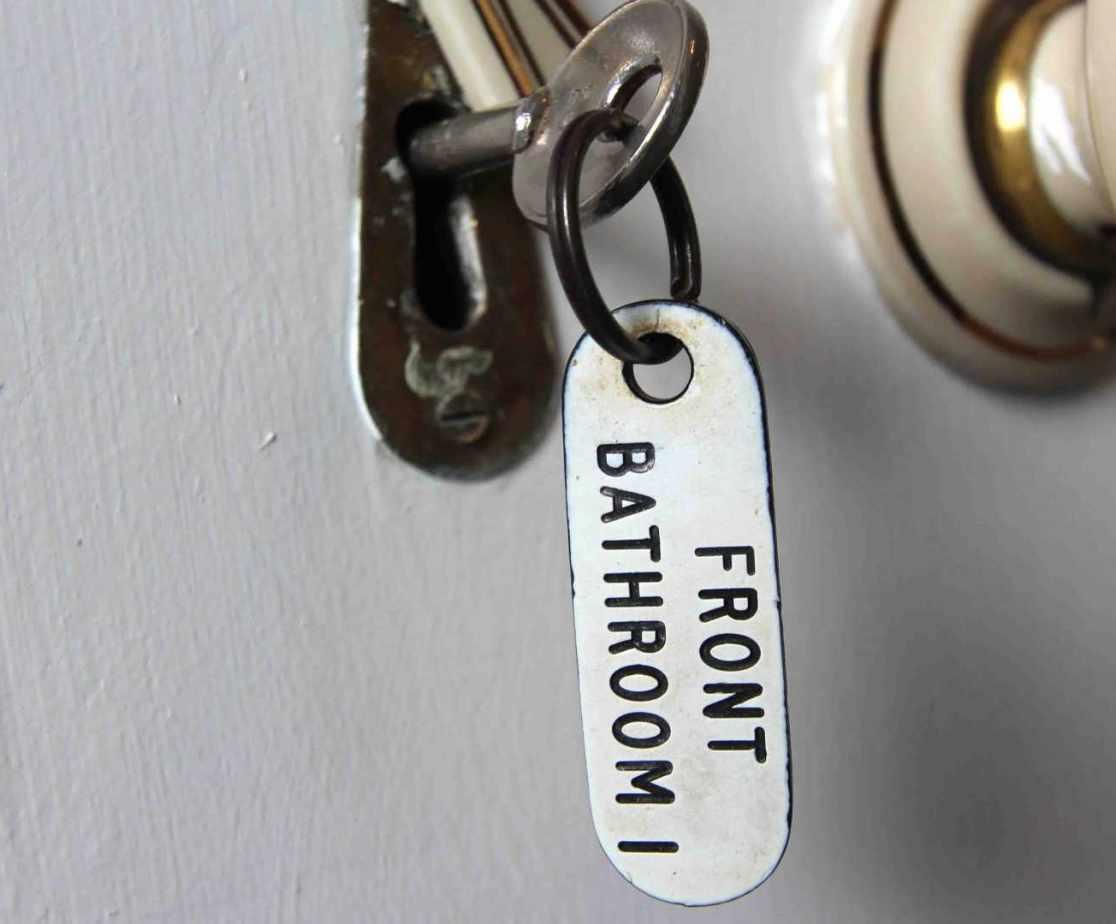 Room 4 en-suite bathroom is shared with room 5