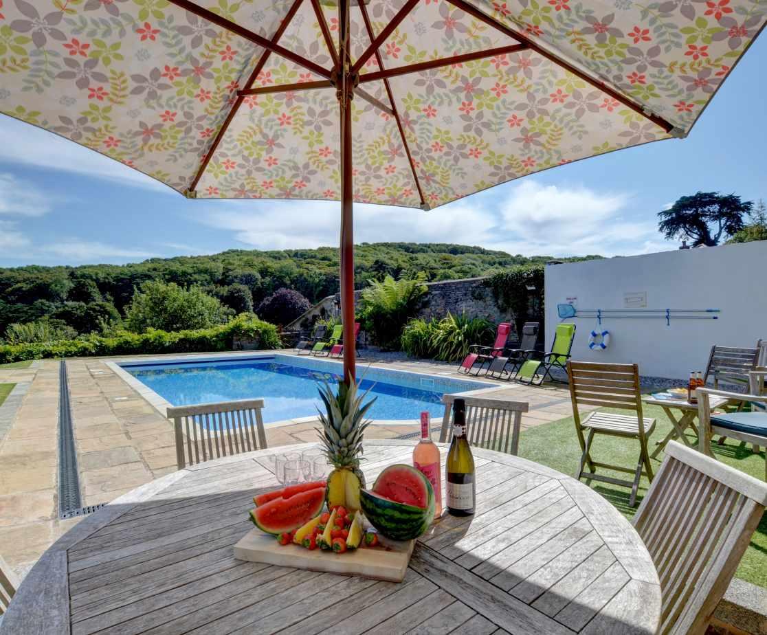 Enjoy al fresco dining in the pool garden