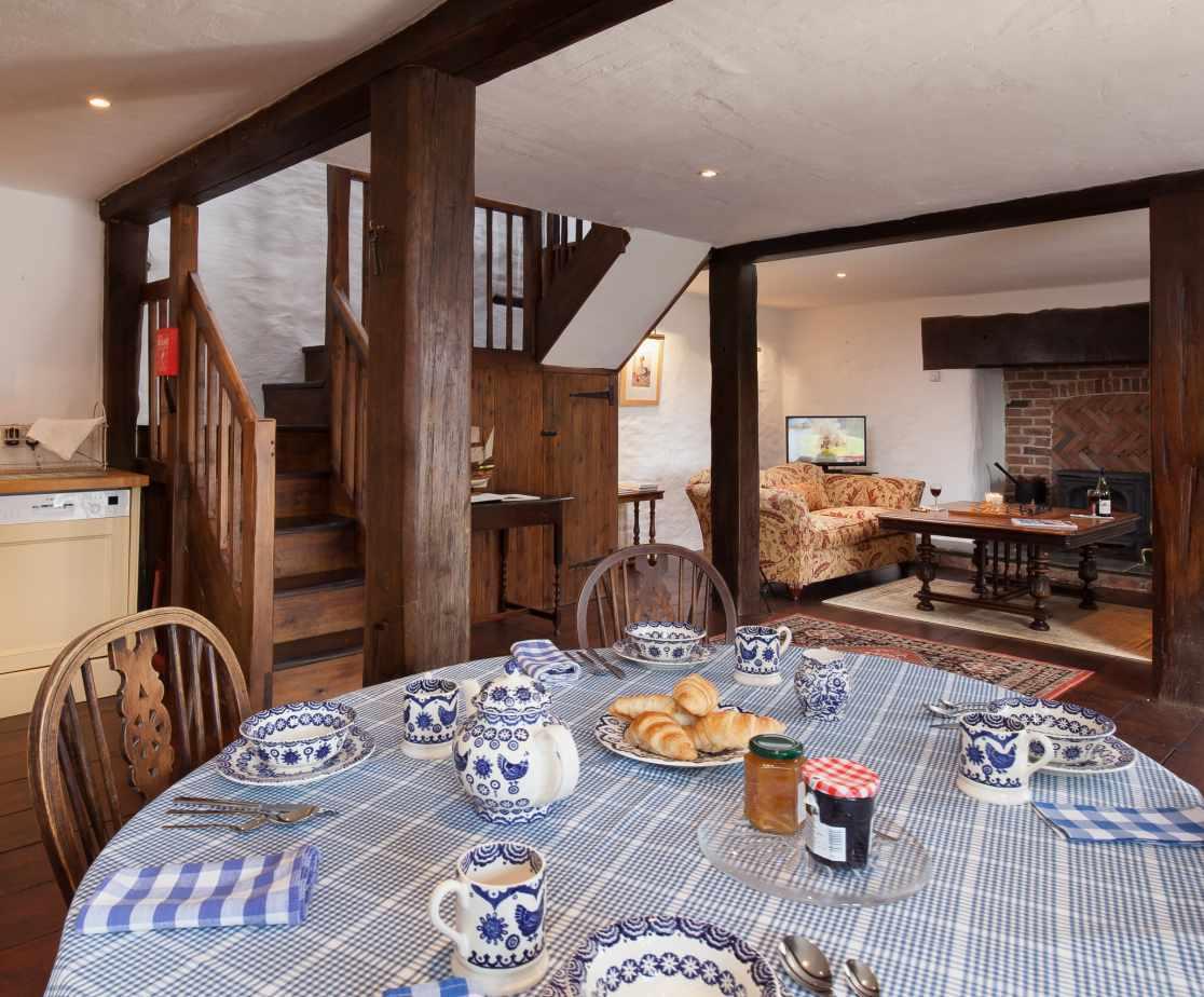 Hutchinghayes Barn kitchen