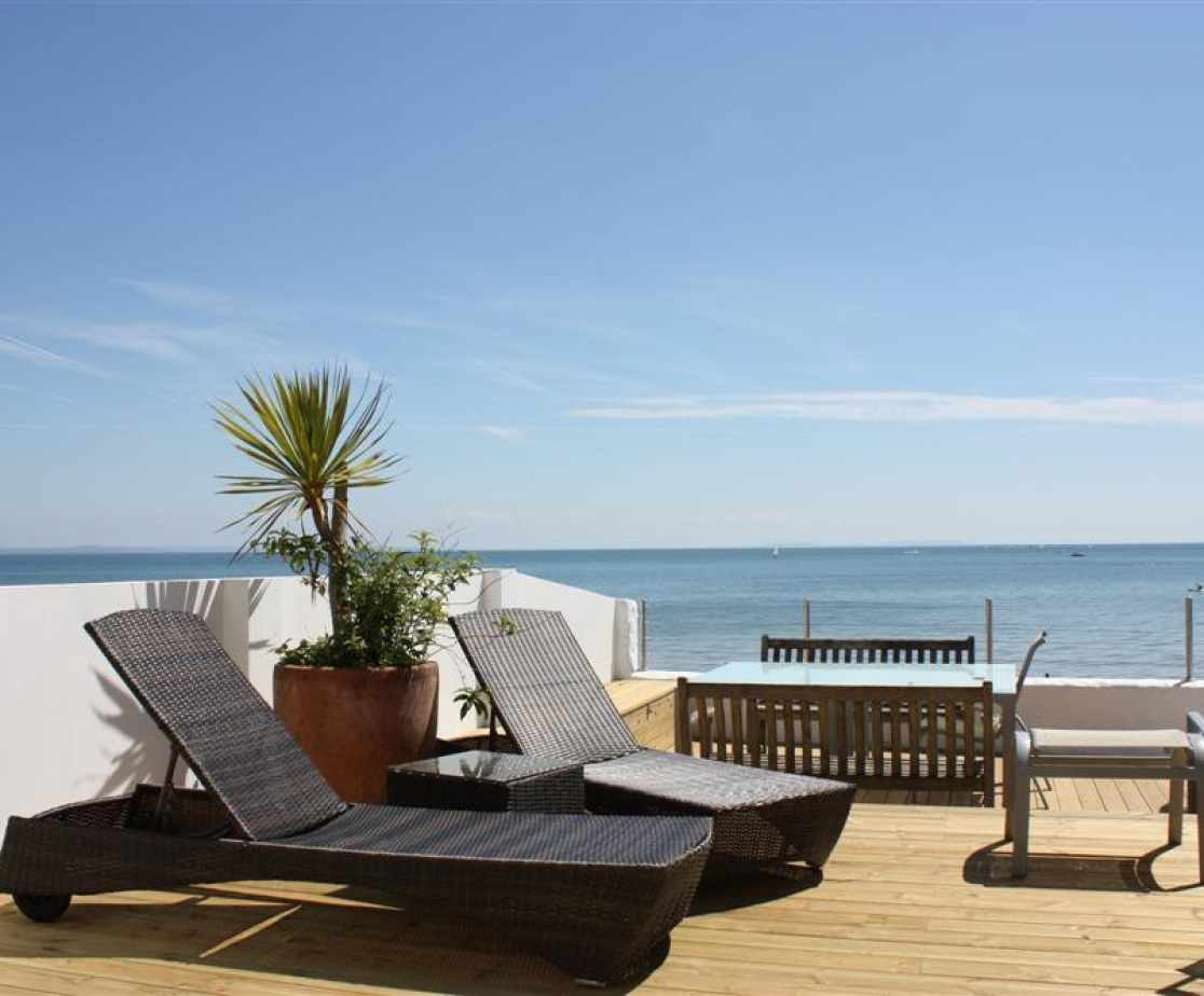Beachway House patio