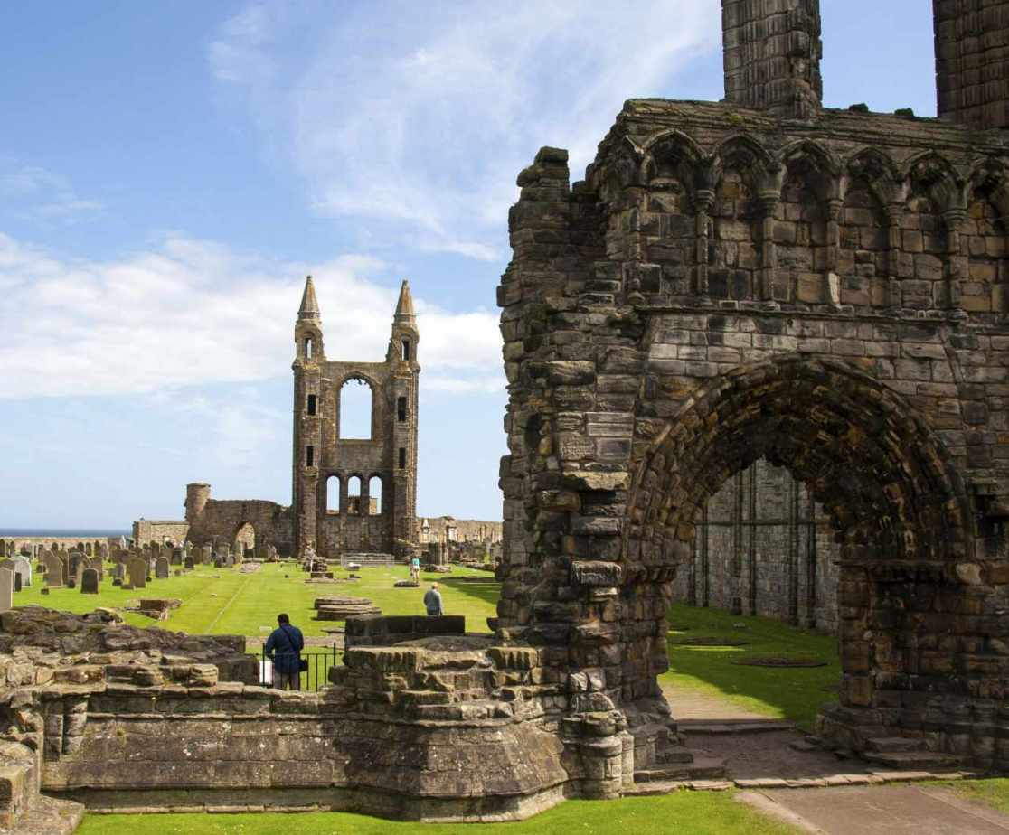 The popular resort of St Andrews is just a few minutes away.