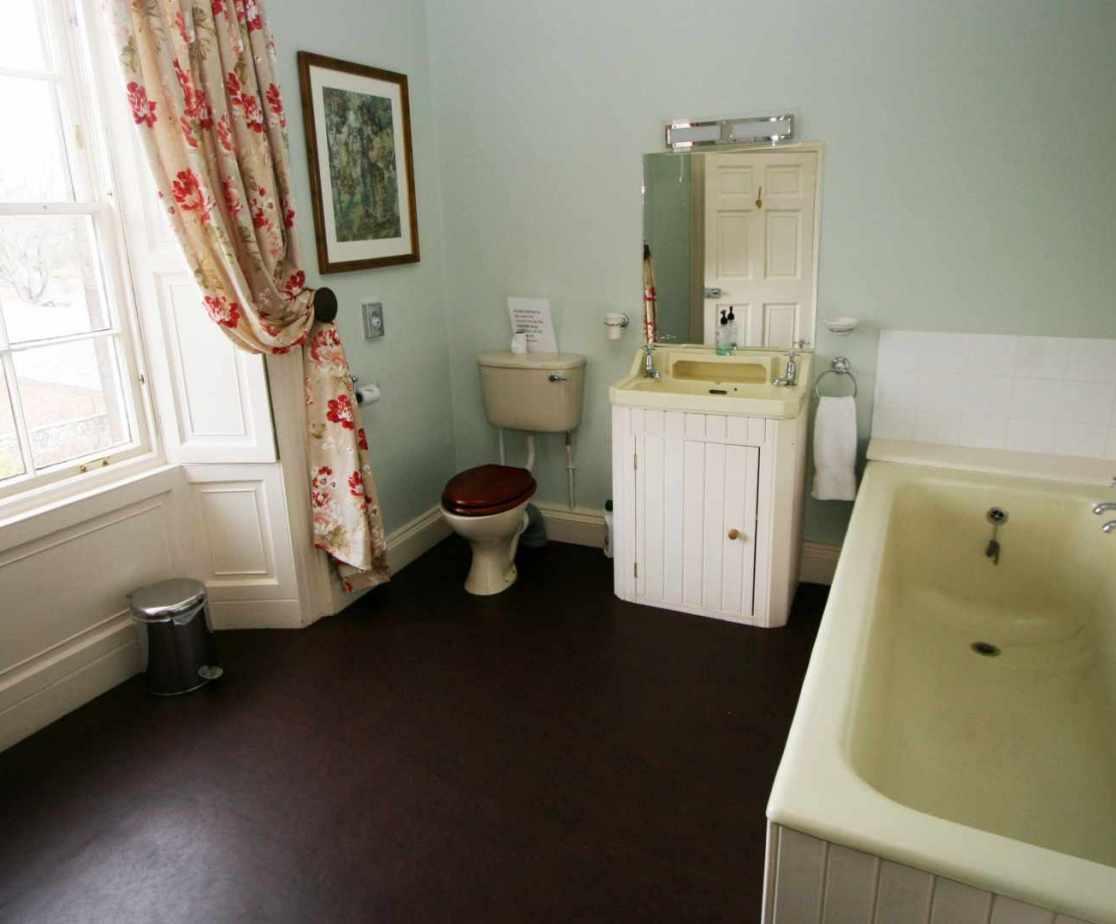 En suite bathroom for the double master bedroom