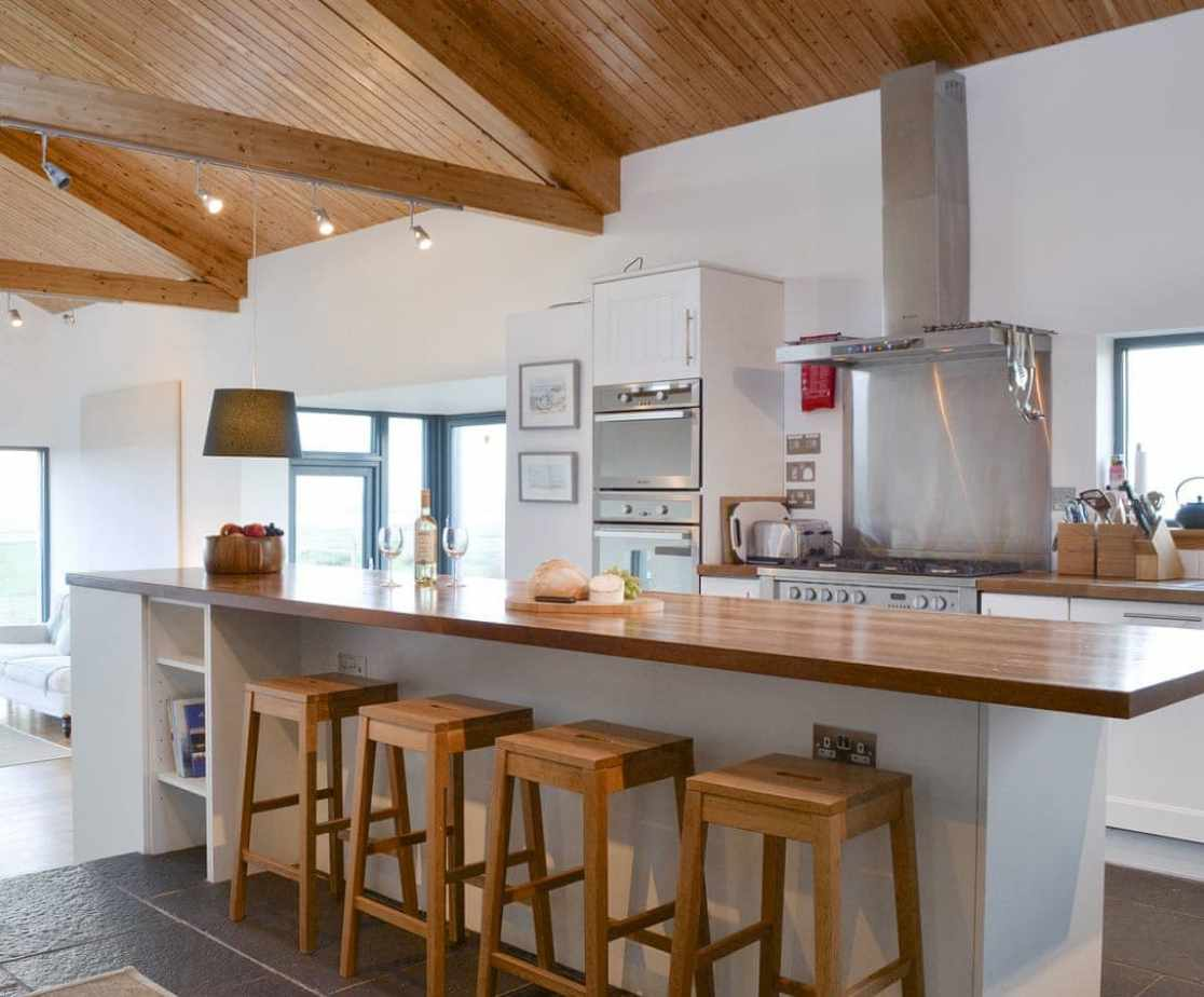 Fabulous fully appointed kitchen