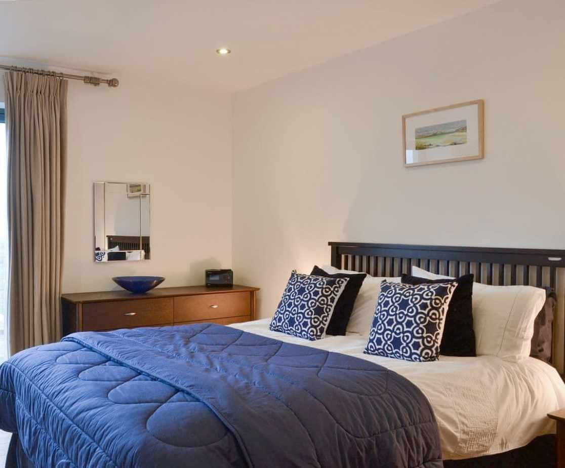 Relaxing ground floor en-suite double bedroom