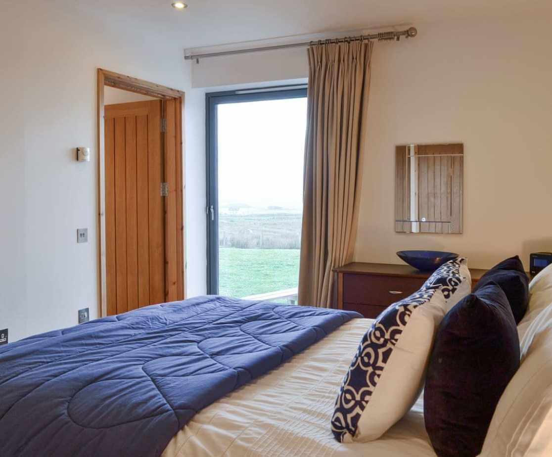 Peaceful ground floor en-suite double bedroom