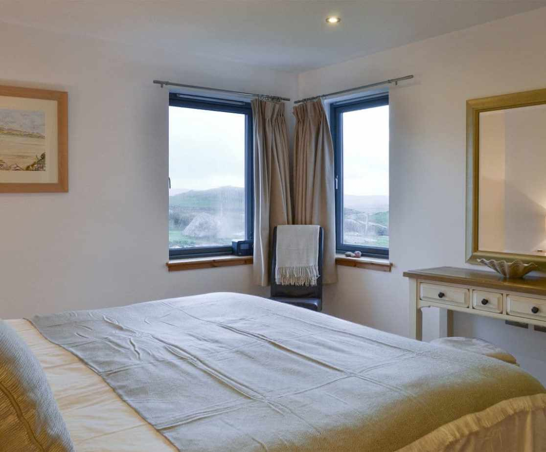 Elegant en-suite double bedroom