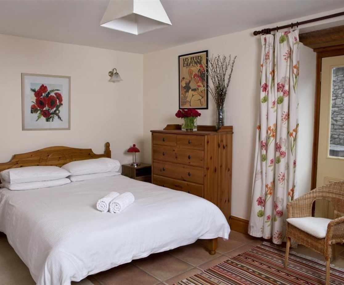 Weastcombe-down-bedroom