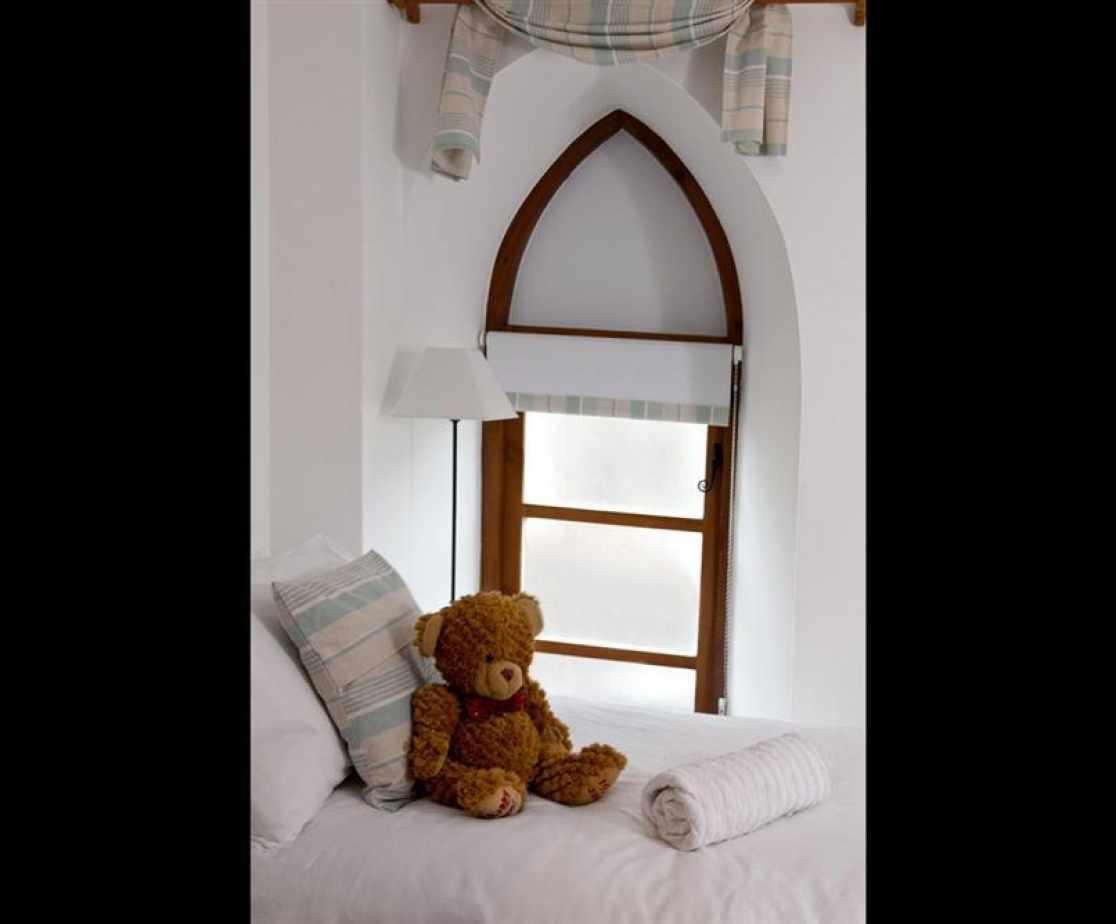 Westcombe-Teddy-bedroom