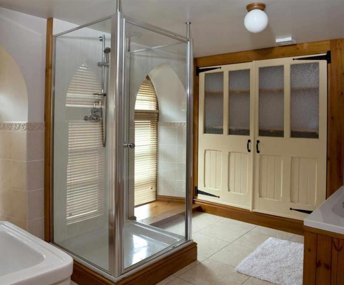 Westcombe-bathroom-2