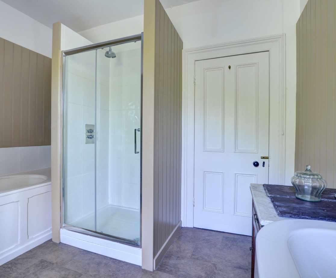 FL028 - First Floor Bath Shower Room