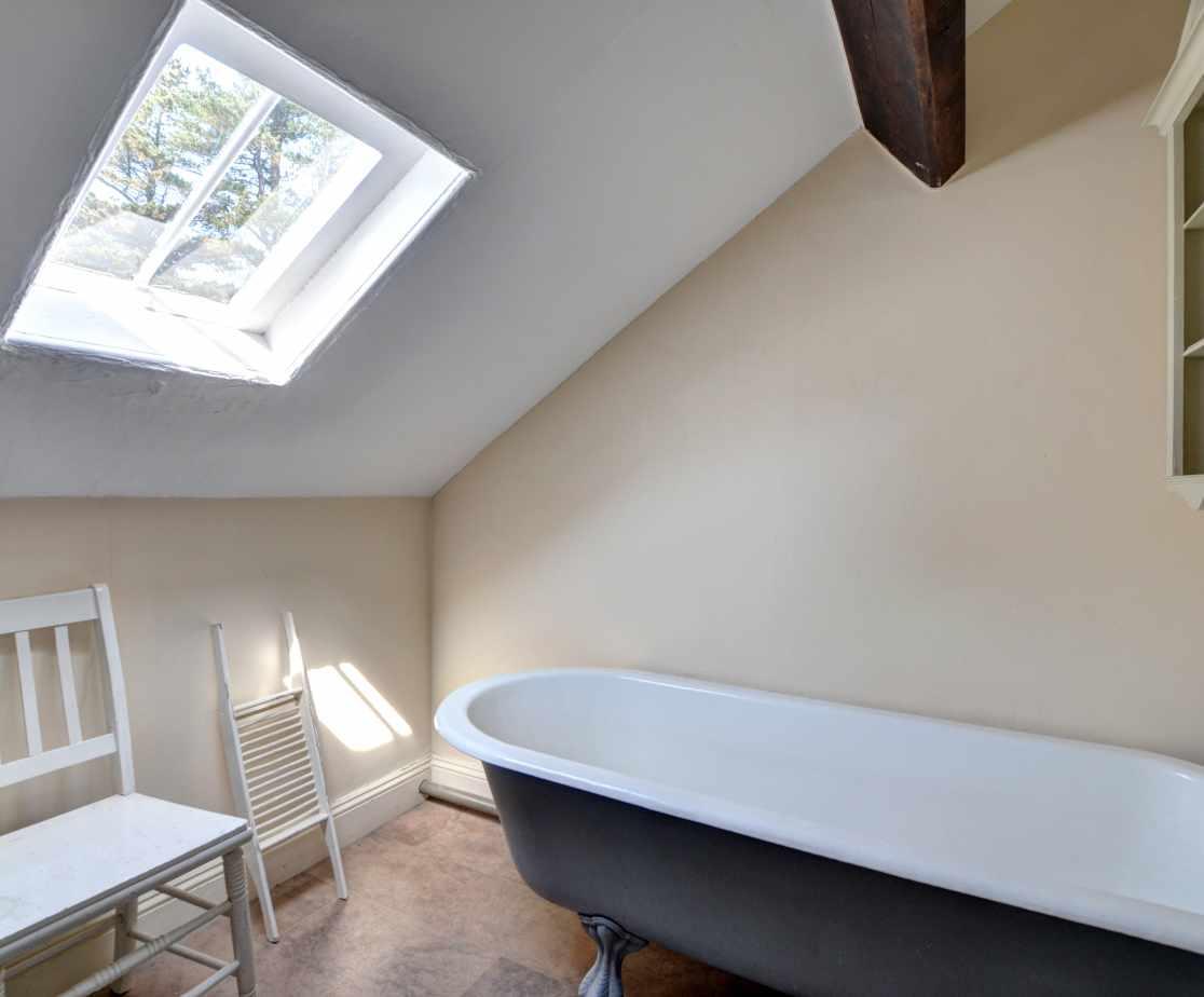 FL028 - Second Floor Bathroom