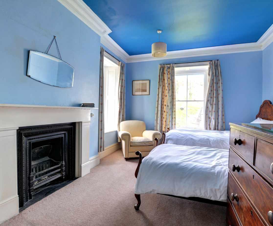 FL028 - Twin Bedroom 1