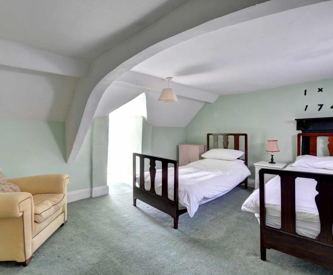 FL028 - Twin Bedroom 2