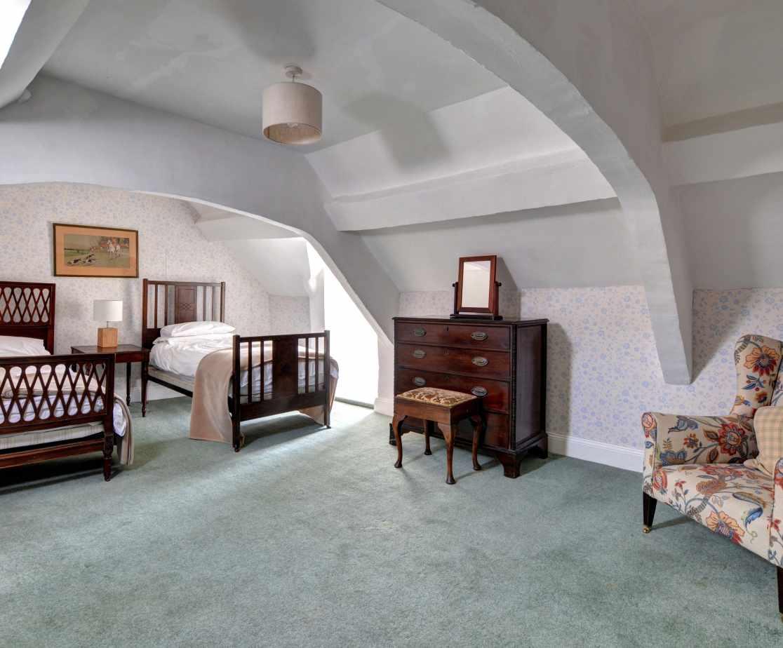 FL028 - Twin Bedroom 3