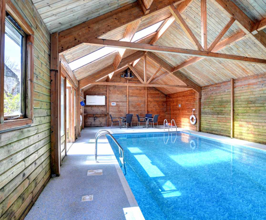 FL028 - Shared Swimming Pool
