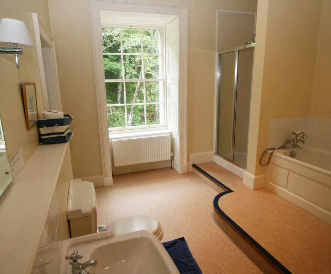 En-suite bathroom for room no 2