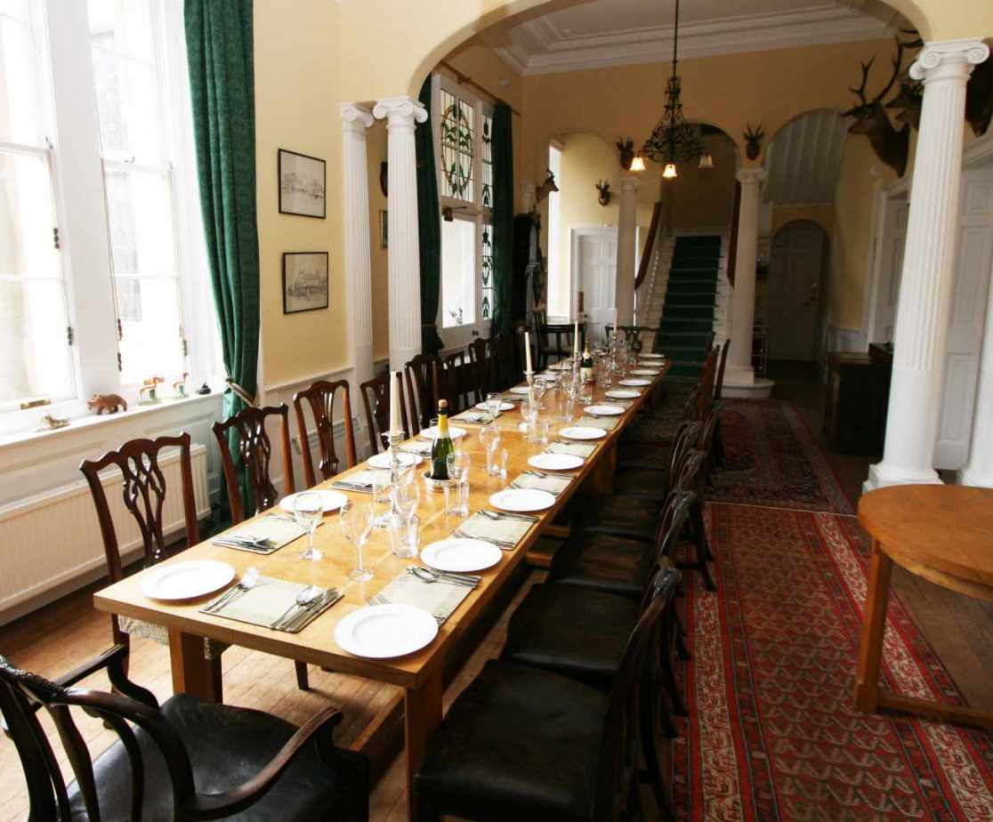 Think of the dinner parties you could have here