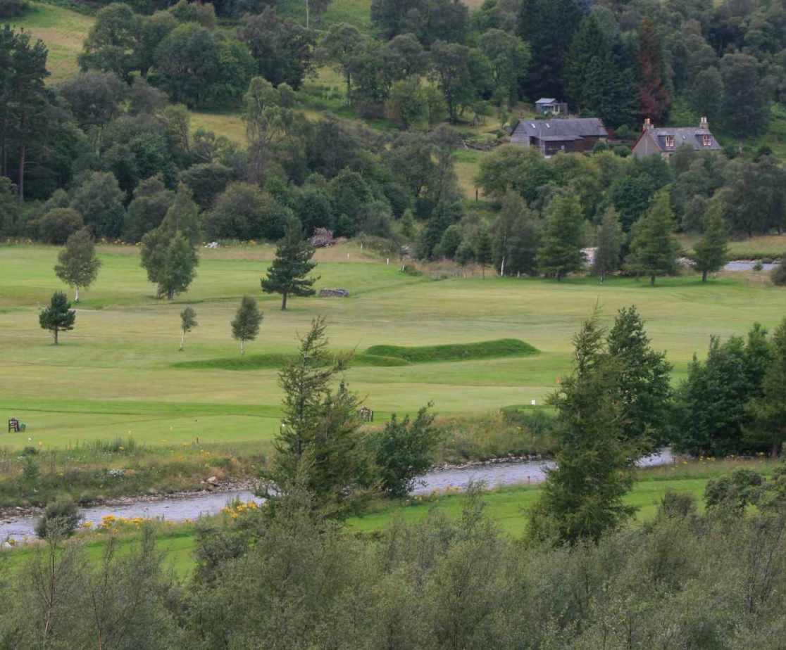 Play a round of golf at the Braemar golf course