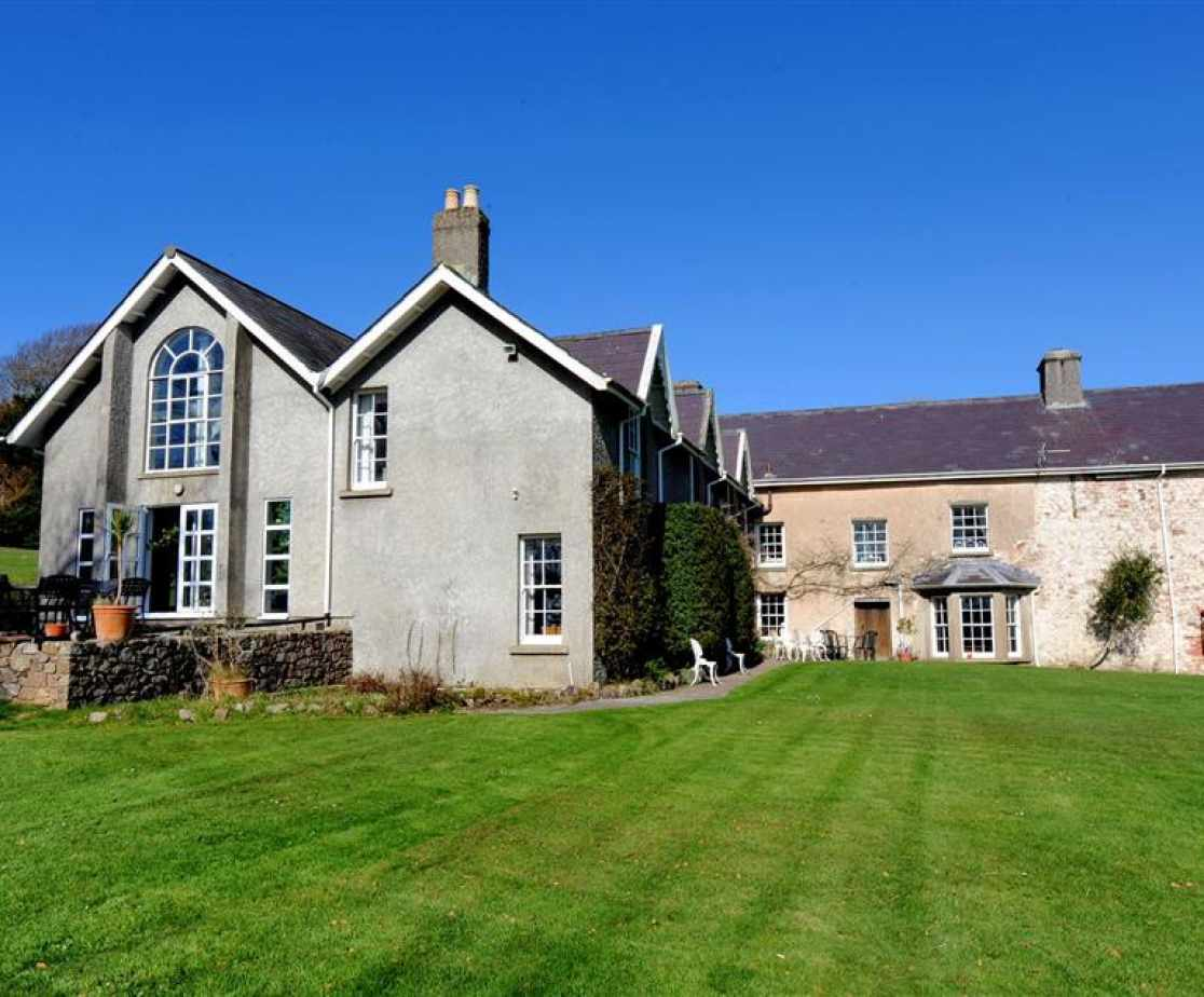 Gower holiday manor house Sleep 14