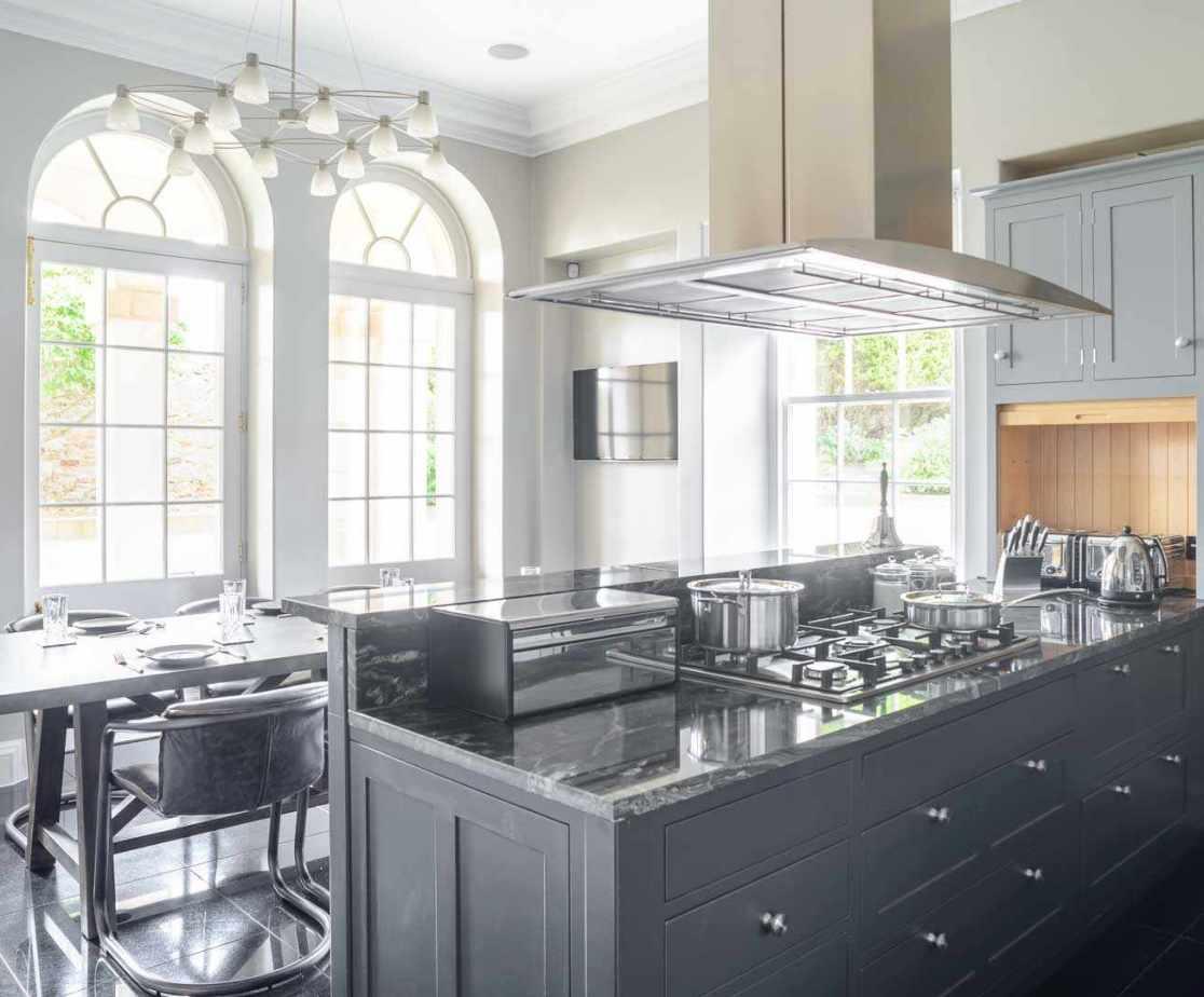 Kitchen - Plenty of Prep Area