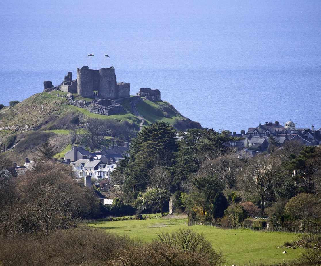 Criccieth Castle, 7.5 miles