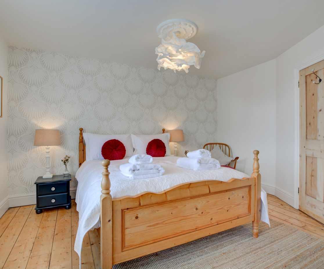 Second floor bedroom with kingsize bed