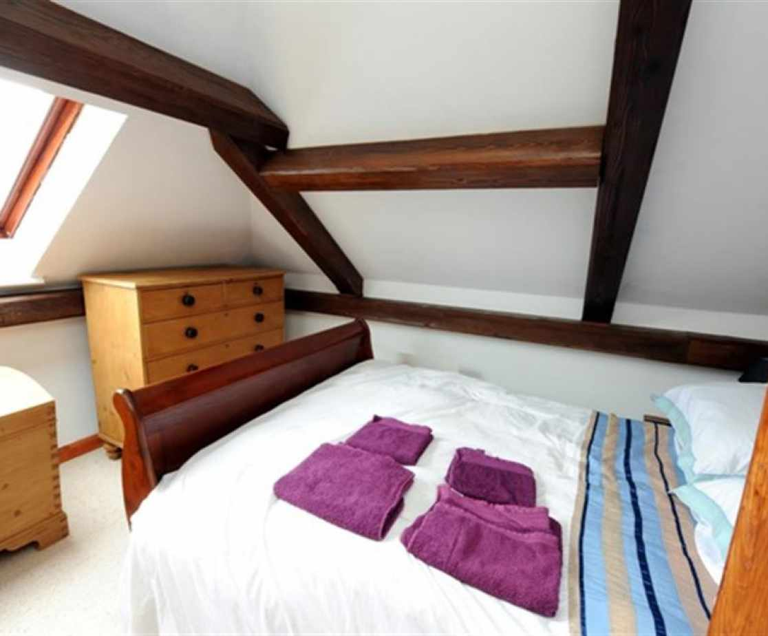 Holiday cottage stepaside double bedroom